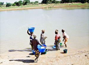 Africa-subsahariana-Alternativo-Mundial-Agua_EDIIMA20150321_0341_5